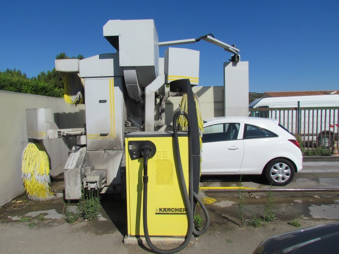 aspirateur karcher jaune-station de lavage-saint laurent auto-aude